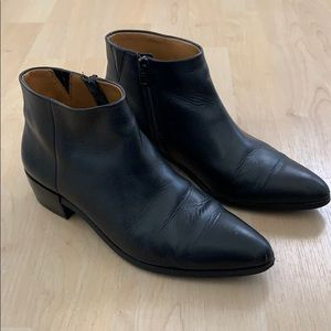 COACH SZ 8 BLK LEATHER BOOTIES